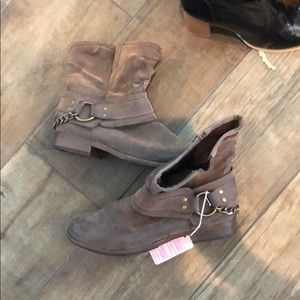 Brown Moto style ankle boot. NWOB LAST $ DROP